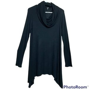 Cable & Gauge cowl neck tunic in black size medium NWT